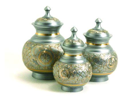 Engraved Urn - Silver Image